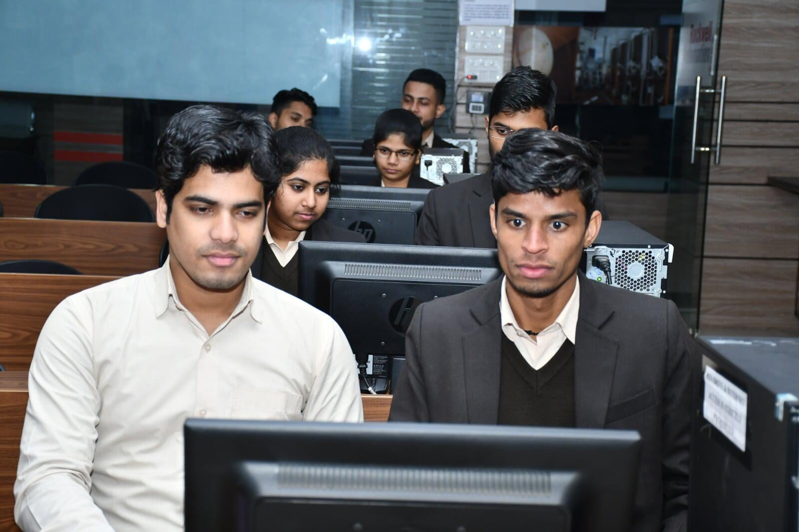 R Systems Lab 1 with students