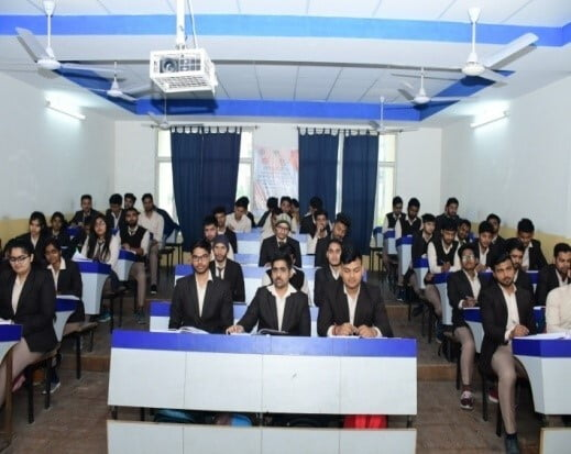 About B.Tech Computer Science at ITS Lab 4