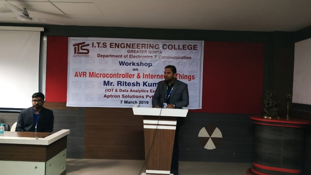 "​Workshop on ""AVR Microcontroller and Internet of Things"""